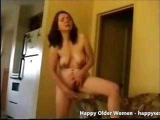 Mature Slut Wif Masturbating Standing. Amateur Older