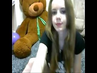 Amateur Essmeralda Fingering Herself On Live Webcam - Find6.xyz