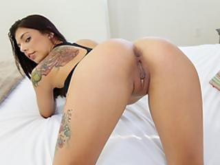 Brazilian Teens Mouth Put To Test At Casting