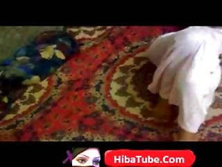 Hijab Arab Girl Dancing- Hibatube.com