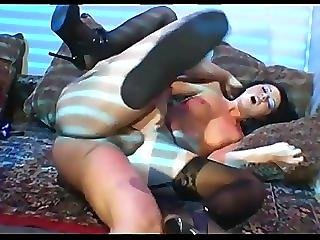 Kinky Babe Does Anal In Stockings And A Garter