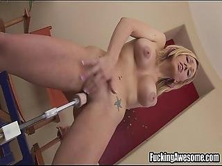 Samantha Sin Gets Off On A Fucking Machine