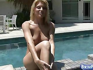 Babe Plays By The Pool Side