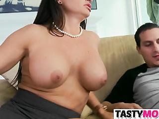 Moms Mature Pussy Is As Good As Gfs Pussy