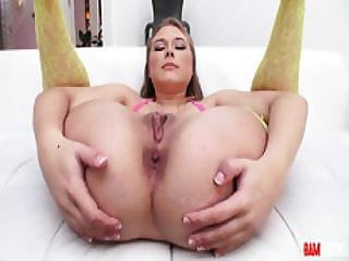 This Is Why This Petite Teen Alyssa Cole A Good Pornstar