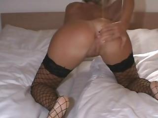 Hot_callgirl_sexy_pussy_smalltits