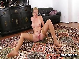 Naughty Czech Teenie Gapes Her Narrow Pussy To The Bizarre