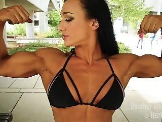 Darrian_tissenbaum_17_torontopro_bikini_muscle_talk_1080p
