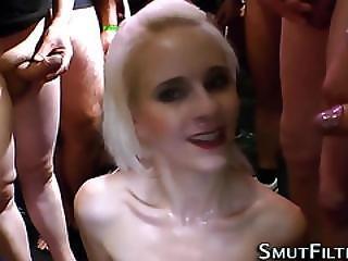 Blasen, Bukakke, Ladung, Europäisch, Ins Gesicht, Fetisch, Harter Porno, Wichse, Schlampe, Komisch