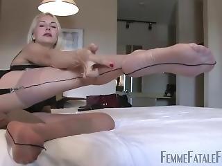 Nylon Feet Footjob Pantyhose Sniffing Nylon Feet Sisters 26 0112v